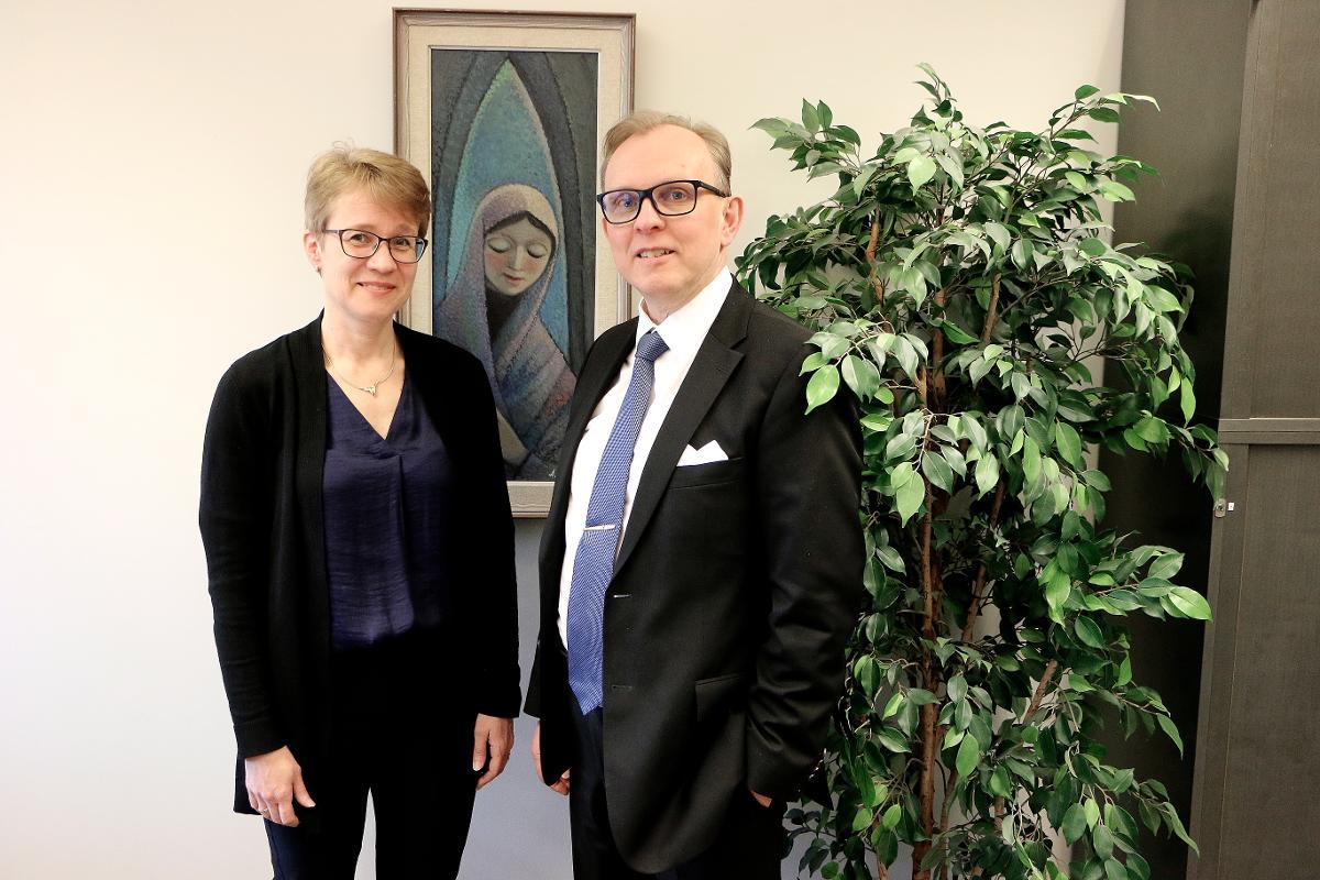 Kuva: Oulunsalolaisessa Uusi Ääni -kuorossa laulavat Kaisu ja Jorma Ainassaari