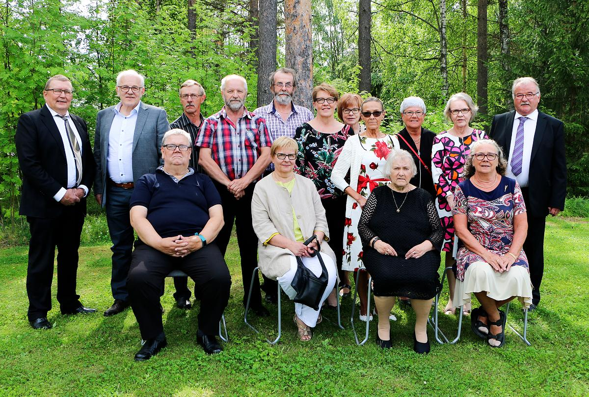 Kuva: 1968 Tyrnävällä ripille päässeiden tapaaminen 8.7.2018.