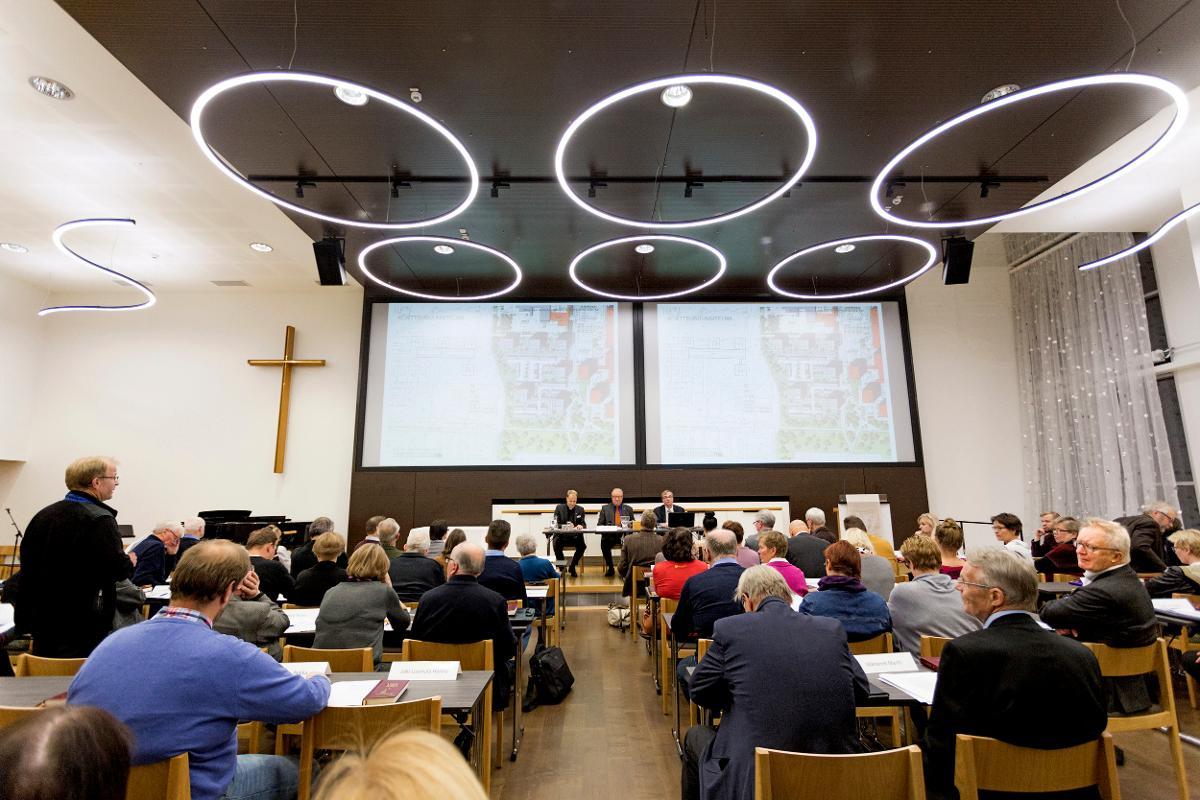Kuva: Yhteisen kirkkovaltuuston kokous 15.11.2016 Oulussa, Keskustan seurakuntatalon isossa salissa
