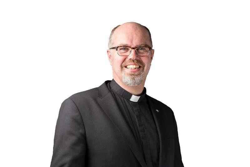Kuva: Oulun seurakuntayhtymän yhteisen kirkkoneuvoston puheenjohtaja, Tuiran seurakunnan kirkkoherra Niilo Pesonen.