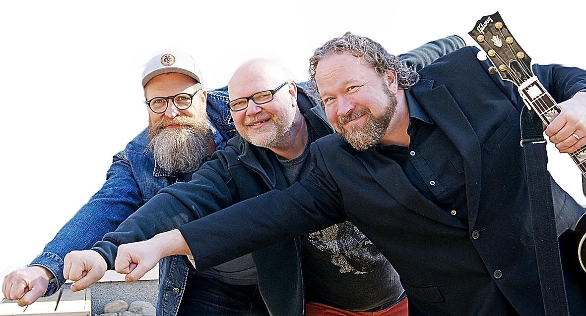 Kuva: Mika Karola, Mikael Juntunen ja Sami Asp tuovat Radio Dein kesäkuussa kaupunkien toreille.