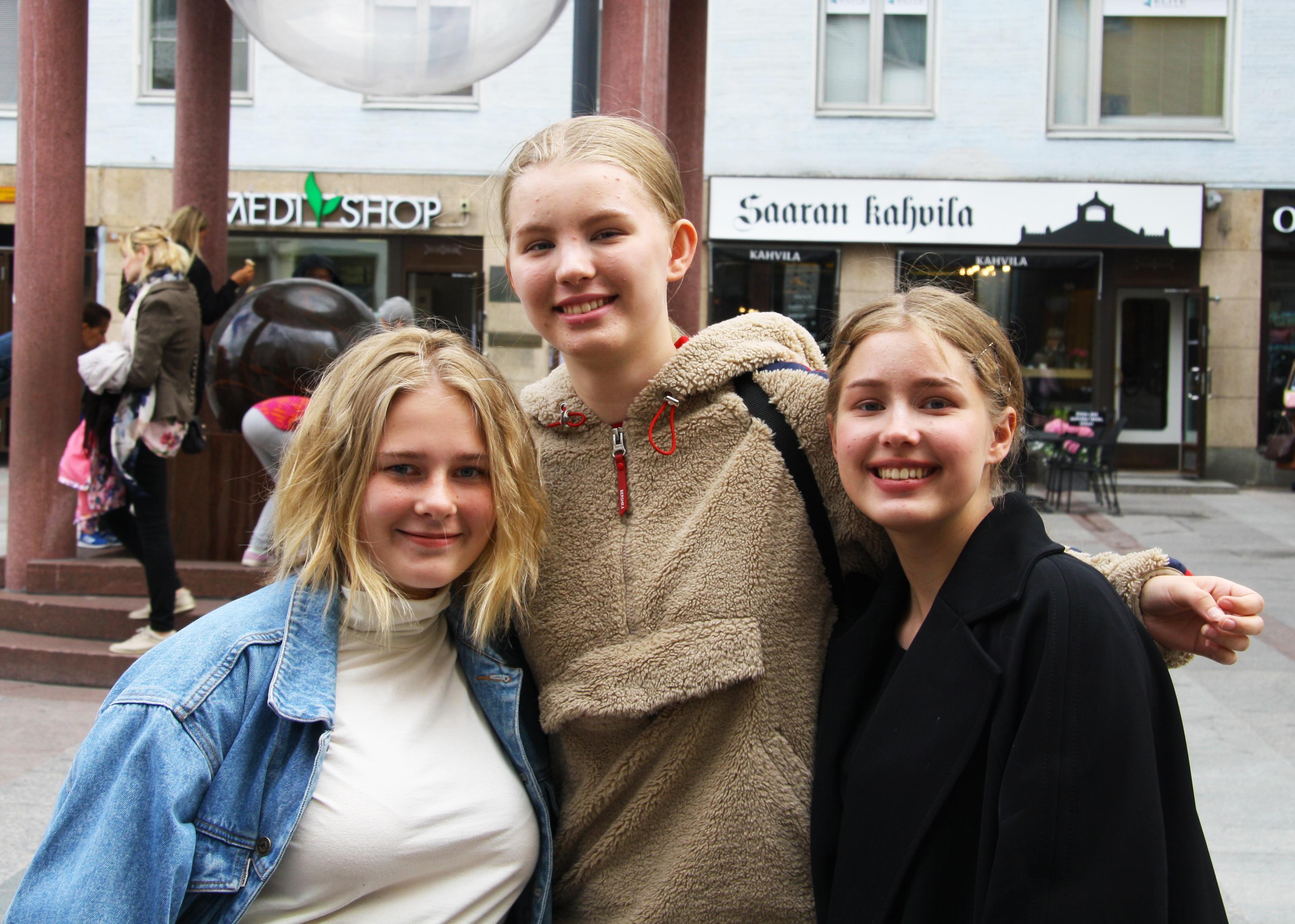 Ilona Piekola, Sanni Klemets, Julia Sivonen
