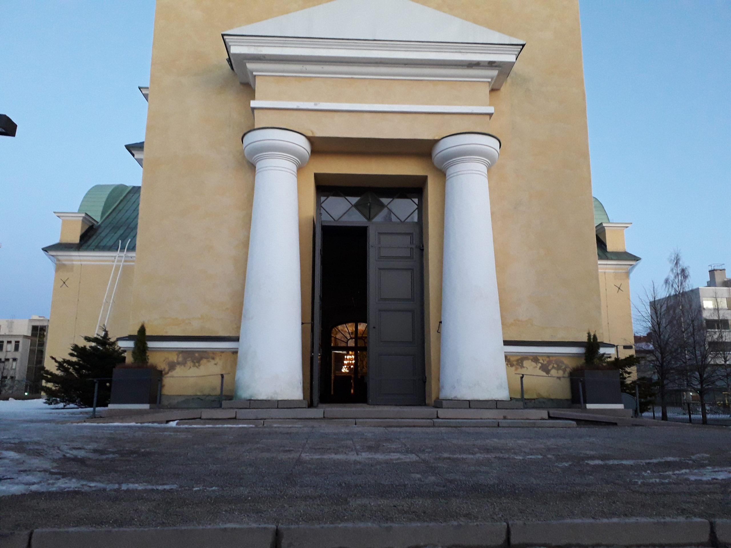 tuomiokirkko avoimet ovet