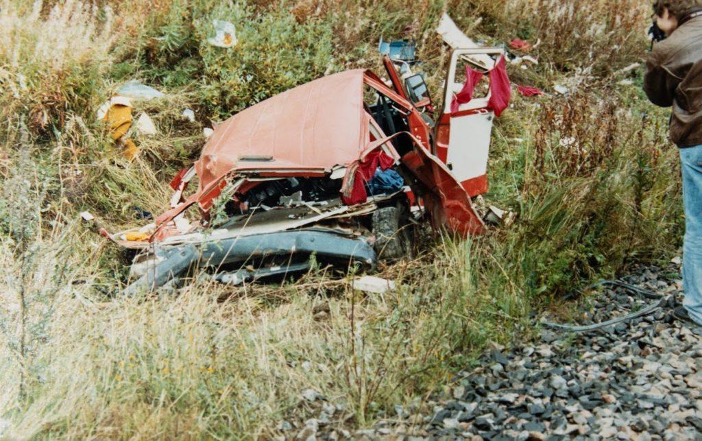 Onnettomuudessa tuhoutunut auto